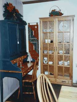 Custom amish made furniture collector 39 s for Amish kitchen cabinets illinois